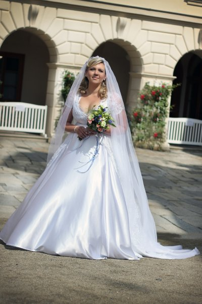 Design And Custom Made Wedding Dresses